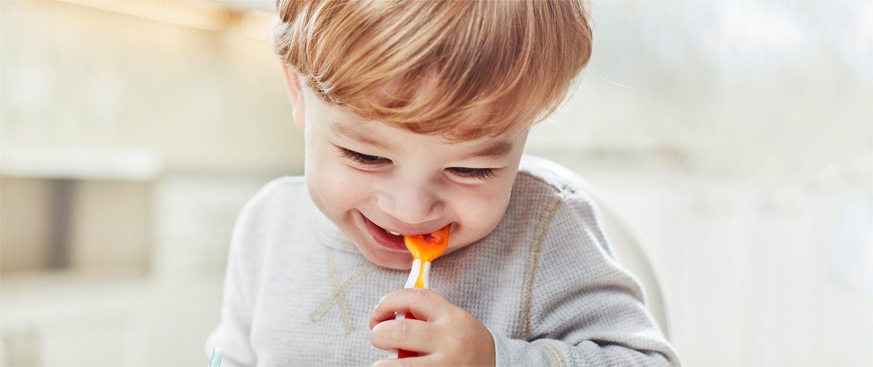 ¿Son las cucharas compatibles con el Baby-led weaning? - Kinder Republik